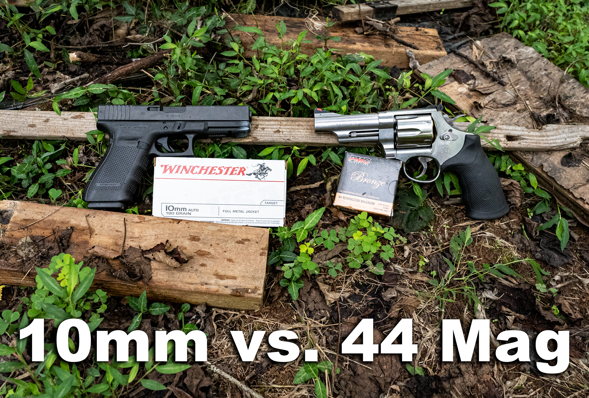 10mm vs 44 magnum pistols with ammo side by side