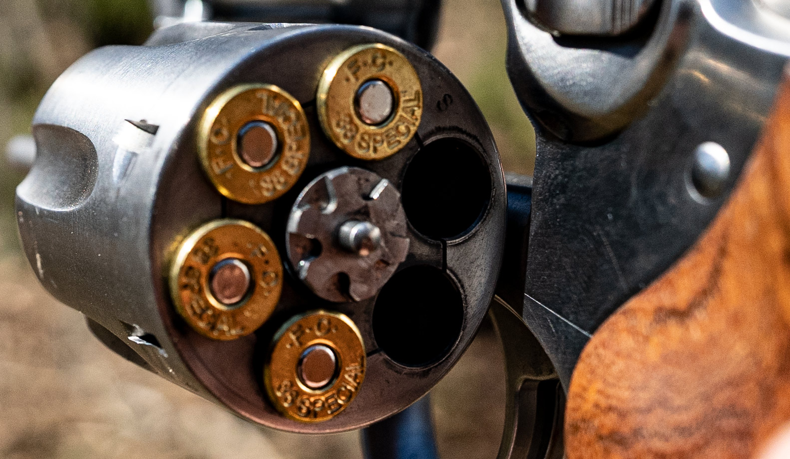 38 spl ammo loaded into the cylinder of a Ruger revolver