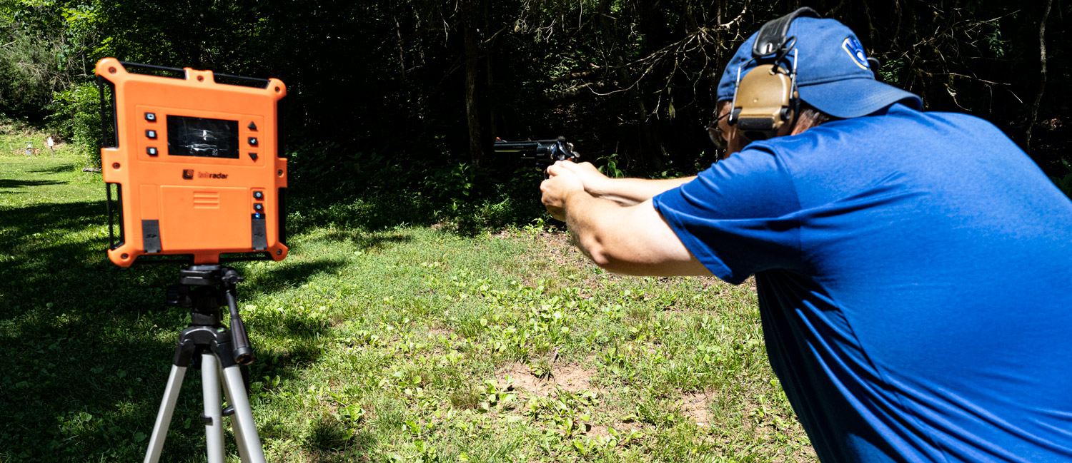 Shooting the Smith & Wesson Model 29 revolver - the dirty harry handgun